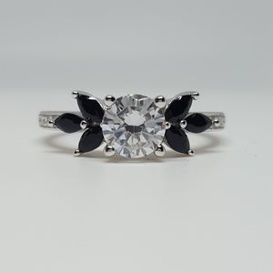 Jewelry - Sterling Silver Flower Ring